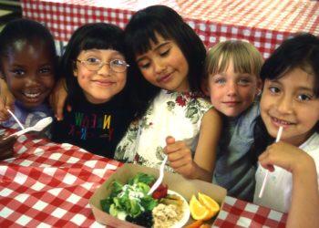 children_eating_CEL
