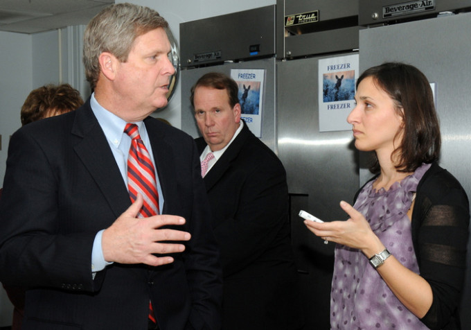 Jane Black (formerly of the Washington Post) interviews Agriculture Secretary Tom Vilsack in 2009. Photo courtesy of USDA.