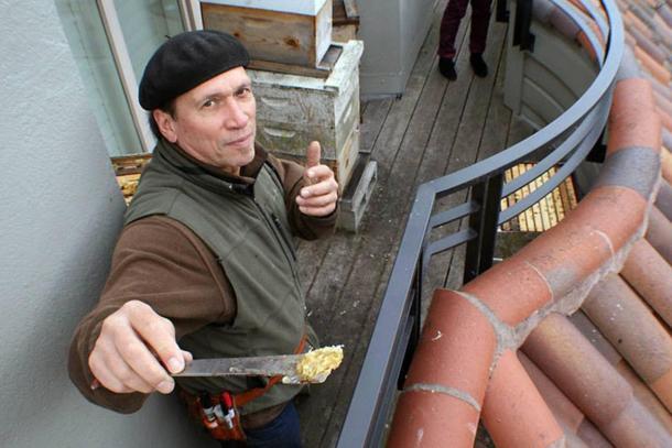 San Francisco Beekeeper Robert MacKimmie with Local Honey