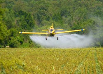 cropdusting airplane