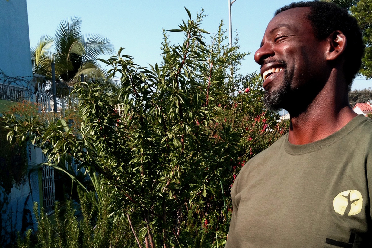civileats.com - Scott Thill - Ron Finley Celebrates Victory For His South Central Garden