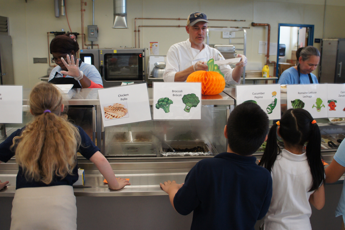 fast food in school cafeterias Efforts to ban kids from having junk food could have unintended consequences here's what you need to know about setting limits on chips, pop and candy.