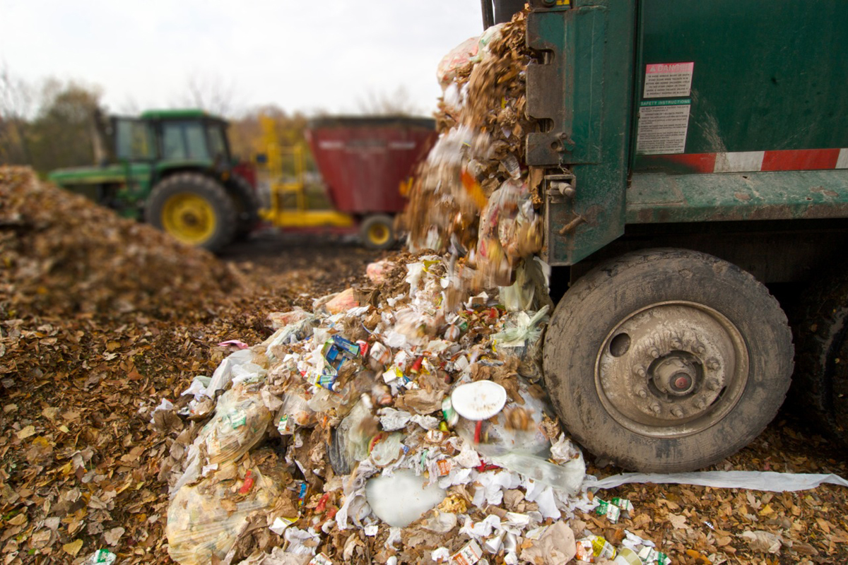 Delivering food to a commercial compost facility. Photo CC-licensed by the Minnesota Pollution Control Agency.