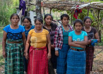 Women from Yulchen Frontera who are members of the Ixquisis Peaceful Resistance against the San Mateo Hydroelectric Project, pose for a photo. Ixquisis, San Mateo Ixtatan, Huehuetenango, Guatemala. April 26, 2019.