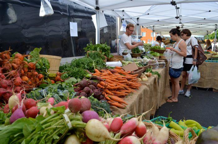 San Diego's Ocean Beach farmers' market. (Photo CC-licensed by Suzie's Farm)