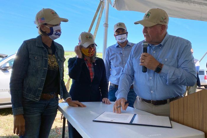Agriculture Secretary Sonny Perdue, Iowa Governor Kim Reynolds, Iowa Senator Joni Ernst and Iowa Agriculture Secretary Mike Naig tour Stolee Chestnut farm and CREP wetland structure on the Stolee Farm, Radliff, IA on September 3, 2020. (Photo CC-licensed by the USDA)