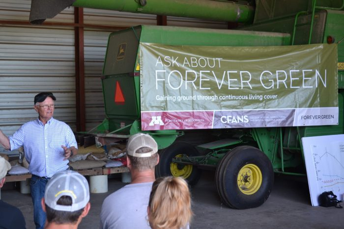 A presentation on Kernza's soil and nutrient benefits