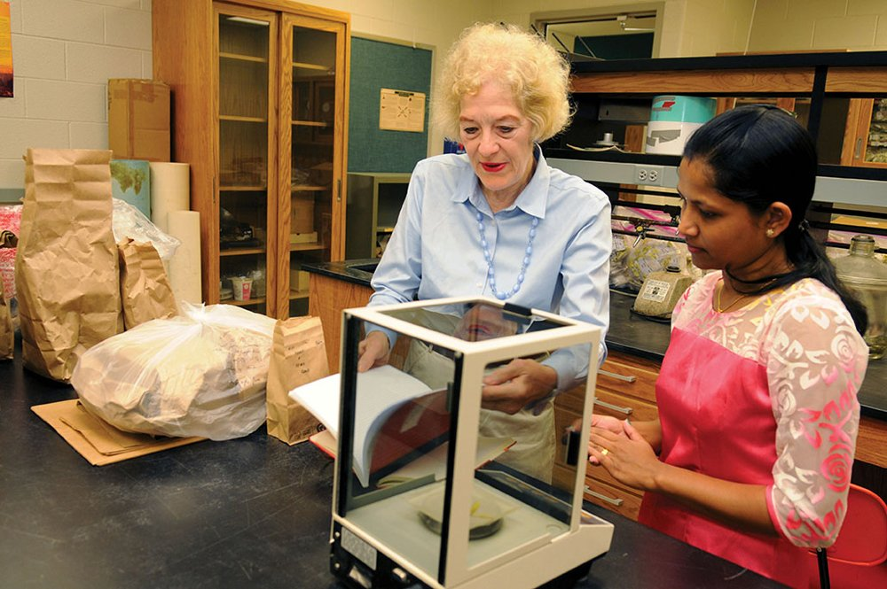 Mary Beth Kirkham (left) in her lab at Kansas State University. (Credit: k-state.edu)