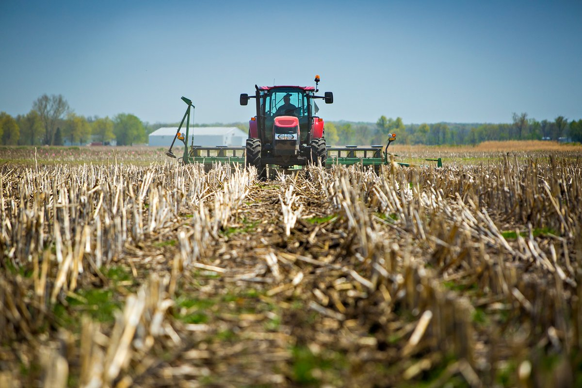 no-till corn planting in Albany, Missouri. (Photo CC-licensed by the University of Missouri CAFNR)