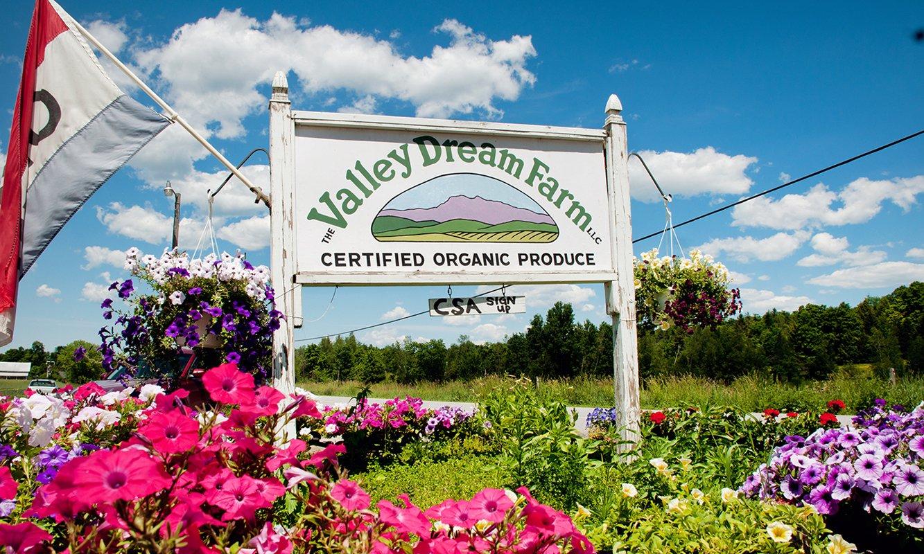 El letrero está en Valley Dream Farm en Cambridge, Vermont.  (Imagen a través de Salvation Farms)