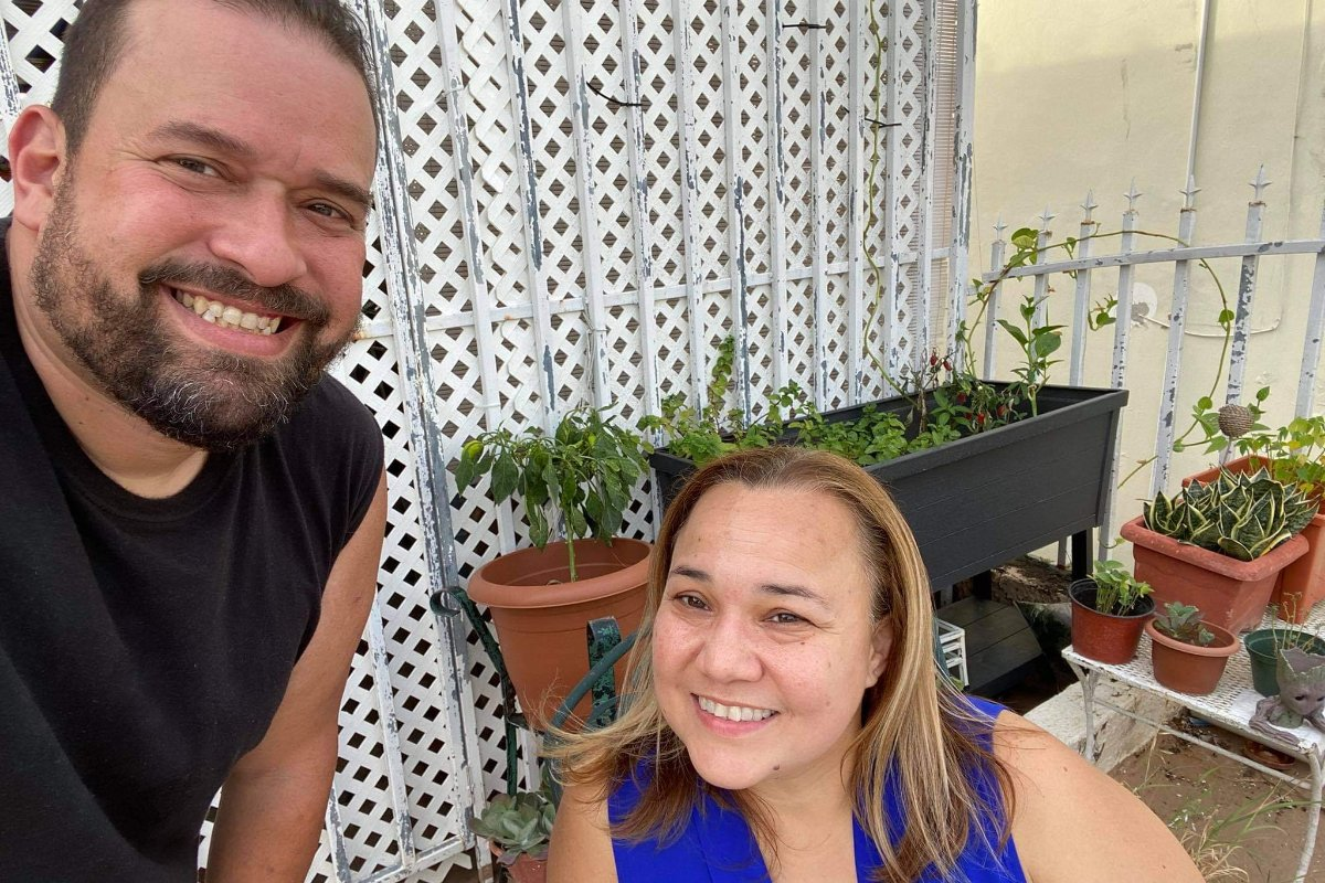 Héctor Seda and Wendy Toledo on their rooftop garden. (Photo courtesy of Sarah Ratliff)